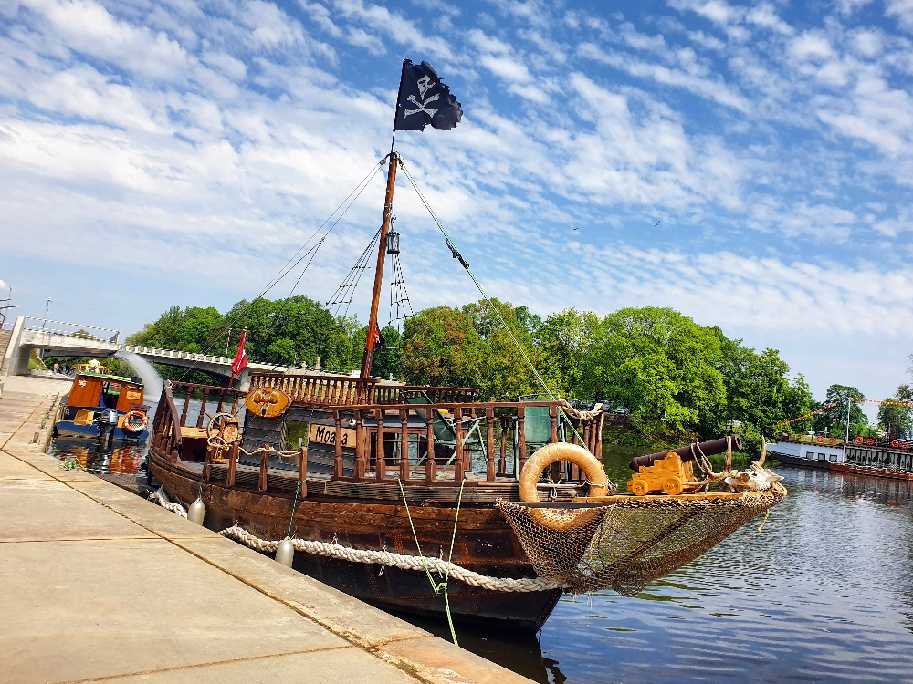 Voyage with a ship in Jelgava