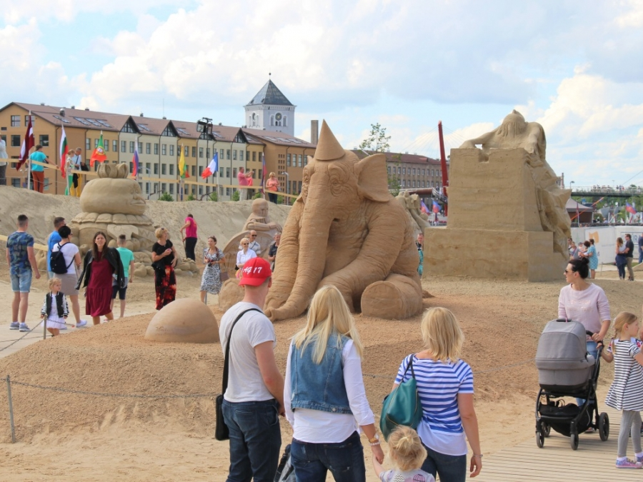 Sand Sculpture in Pasta Island